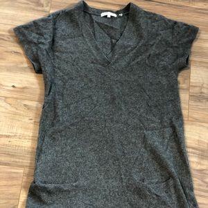 Vince cashmere v neck tunic size XS